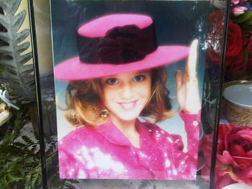 Katy Perry's Kiddie Glamour Shot Reveals An Early Love Of Pink, Cheesy Posing