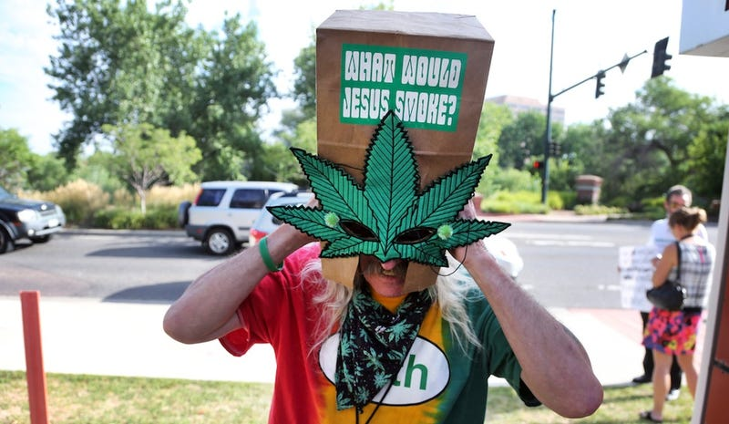 Budding Medical Marijuana Industry Attracts Wall Street Scammers