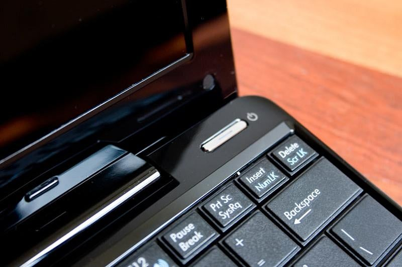 The Asus Eee Seashell Review (The Netbook Is Back)