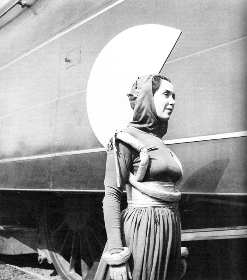 Future Fashion From the 1939 World's Fair Looked Really Uncomfortable