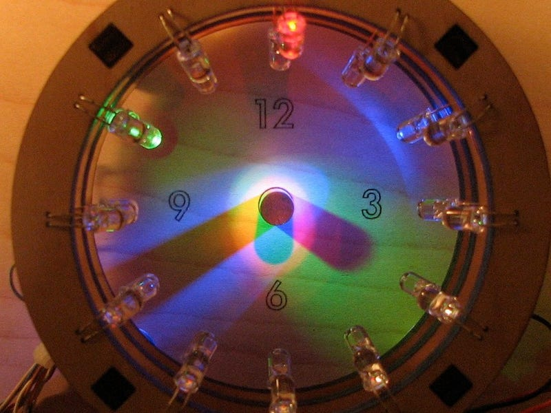 Brilliant Bulbdial Clock Becomes a Reality