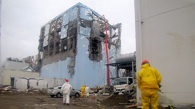 Two Fukushima Workers Hospitalized Due to High-Level Radiation