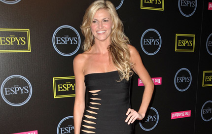 Erin Andrews' Chin Has Healed Nicely...