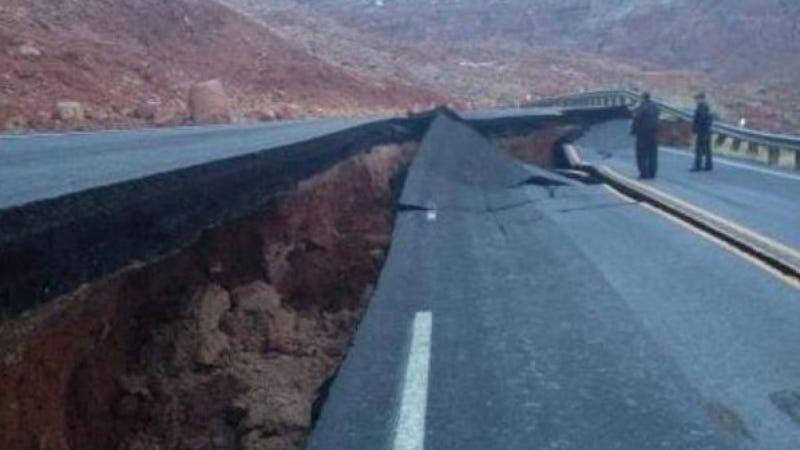Arizona Highway Decides To Stop Being A Highway And Breaks In Half Instead