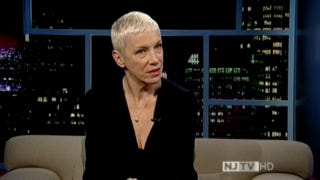"Annie Lennox Whitewashes Explanation of ""Strange Fruit"""
