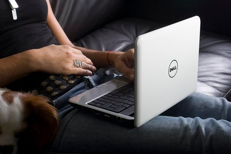 Dell Inspiron Mini 9 Available Now: Windows XP $399, Ubuntu $349