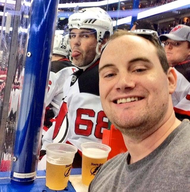 Fan Tries To Take Selfie In Front Of Jaromir Jagr, Gets Jagrbombed