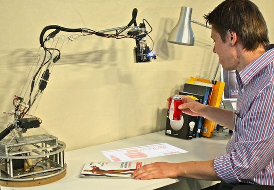 Student Made Robotic Desk Lamp Is The First Step To Tony Stark's Computer