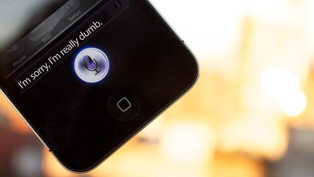 Why Siri Will Never Officially Appear on the iPhone 4