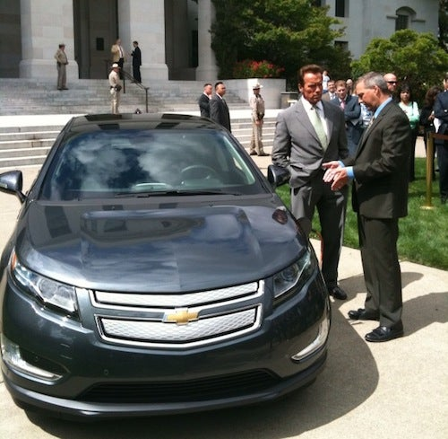 GM Hedges On Chevy Volt's All-Electric Range: Now 25 To 50 Miles