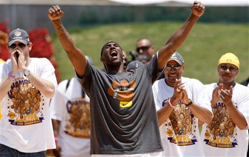 All Kobe Bryant and LeBron James Got Were These Lousy T-Shirts