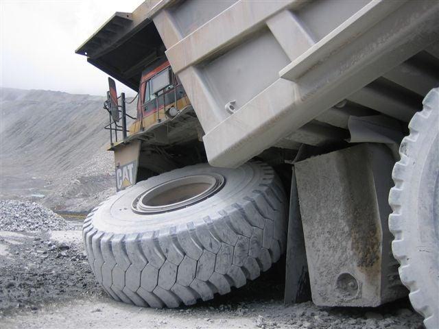 Caterpillar Mining Truck Axle Failure