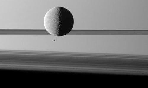 Oxygen Found on Moon of Saturn
