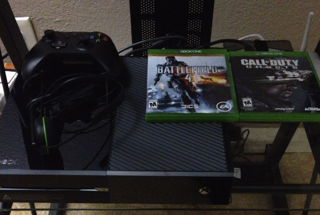 You Can Remove The Sticker On The Front Of Your Xbox One, You Know