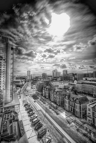 Black and White HDR Video Looks Like An Artist's Sketches Brought to Life