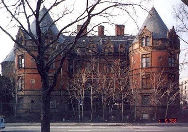 This Mysterious NYC Castle Was Actually America's First Cancer Hospital