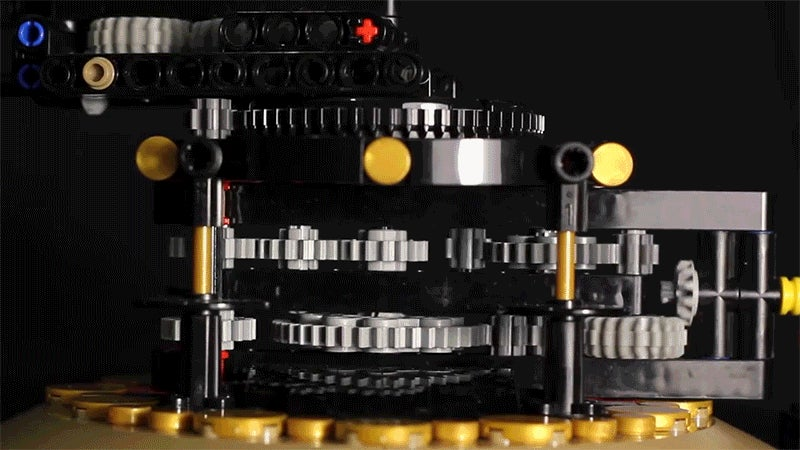 Working Lego Model of the Earth, Moon, and Sun Is Remarkably 97 Percent Accurate
