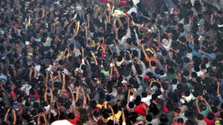Thousands-Large Mob Seized Prisoner Accused of Rape, Beat Him to Death