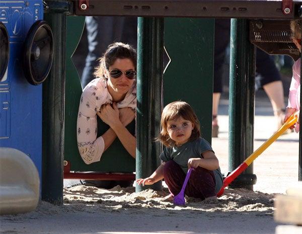 Amanda Peet's Daughter Takes That Jungle Gym & Shovels It