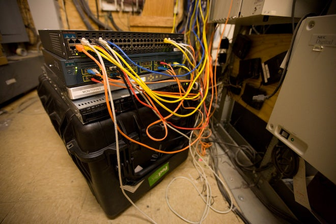 A Look Inside Defcon's Network Ops Room, The Most Secure Conference Wi-Fi You'll Ever See
