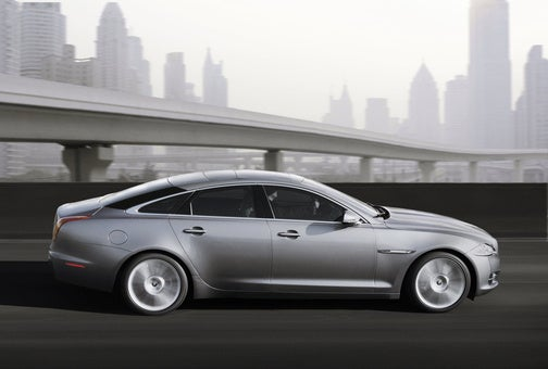 2010 Jaguar XJ: A Controversially Redesigned Pussycat
