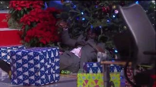 Shaq Just Tackled A Christmas Tree ¯\_(ツ)_/¯