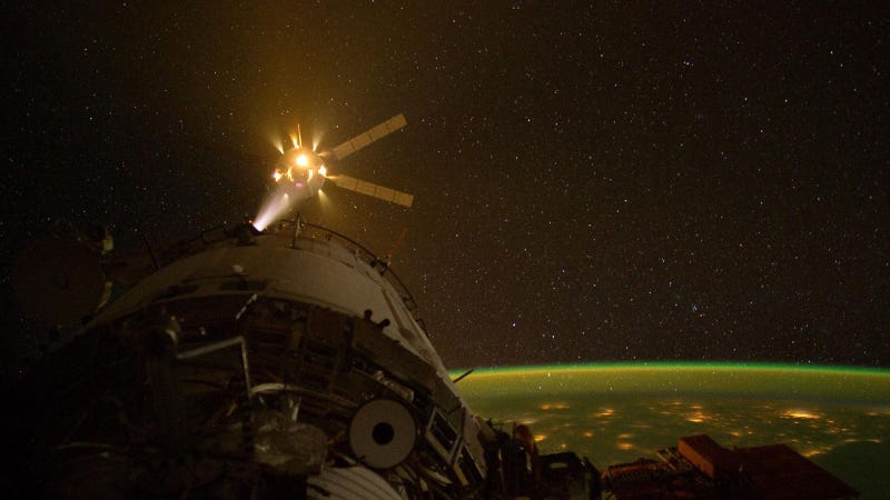 This International Space Station Photo Is So Amazing It Seems From The Future