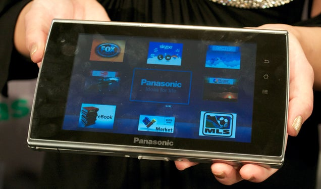 We Like Panasonic's Flagship 3DTV (And Its Weird Tablet Buddy)