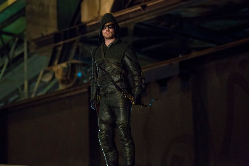 Arrow - 1x02 Promo Photos