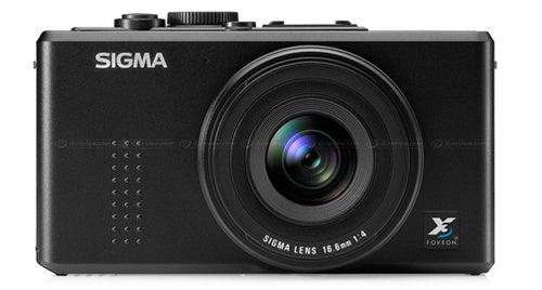 Sigma DP1s Brings Back the Classic Huge Sensor in a Little Camera