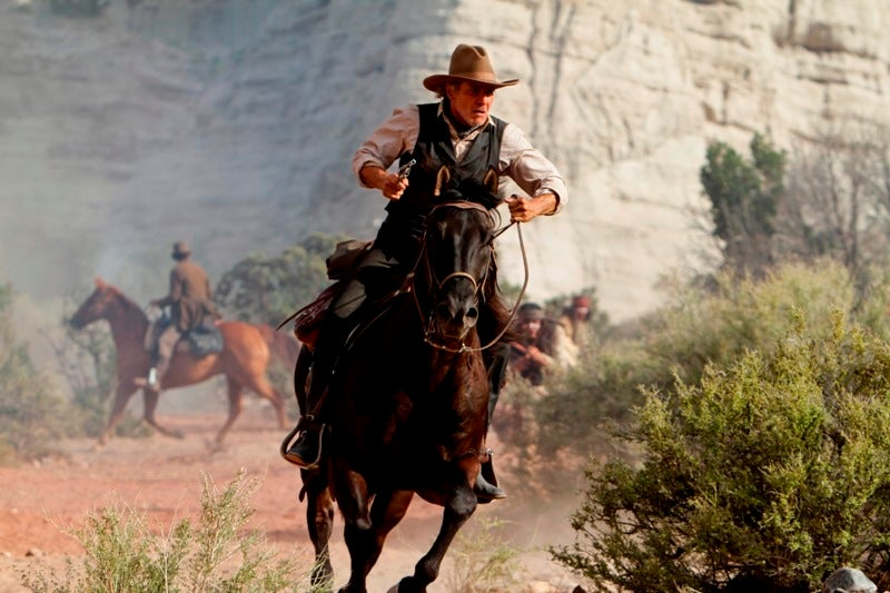 Yee-Haw! Pew Pew! It's the motherlode of Cowboys & Aliens stills!