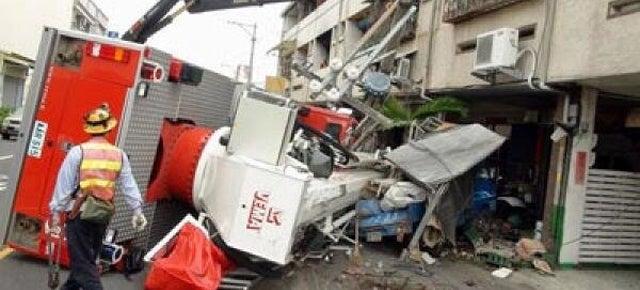 Drunk Chinese Firefighter Crashes Brand New $850,000 Firetruck