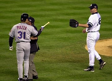 Roger Clemens, Mike Piazza Make Nice