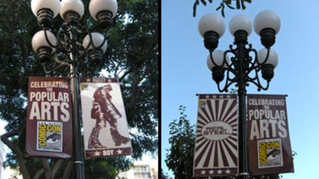 New Comic-Con banners celebrate fighting robots