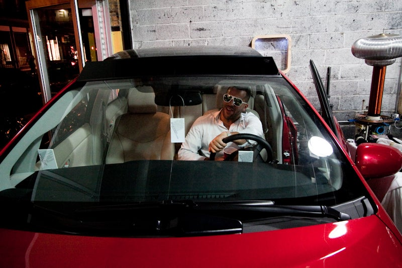 Jump Inside a 3rd Generation Prius at the Giz Gallery