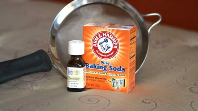 Freshen Your Mattress with Baking Soda and Essential Oils