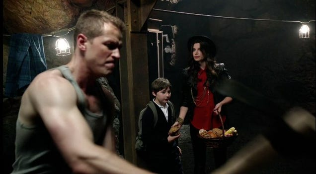 once upon a time how hook lost his hand Once upon a time – season four, episode four recap: captain hook and his naughty, naughty hand posted on october 20, 2014 by britt delaney 0.