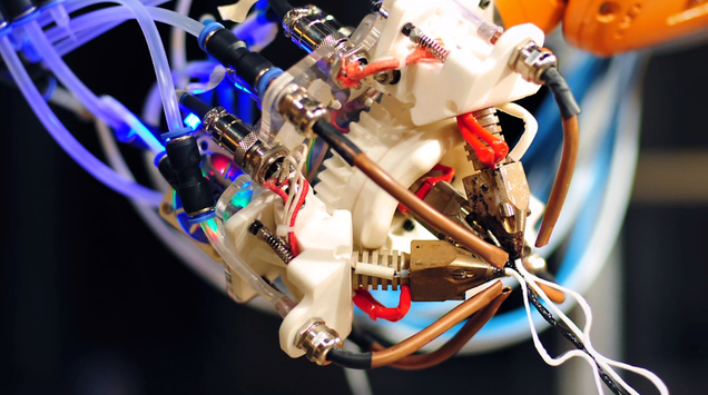This Incredible Robotic Arm Prints Plastic Like a Spider Makes Silk