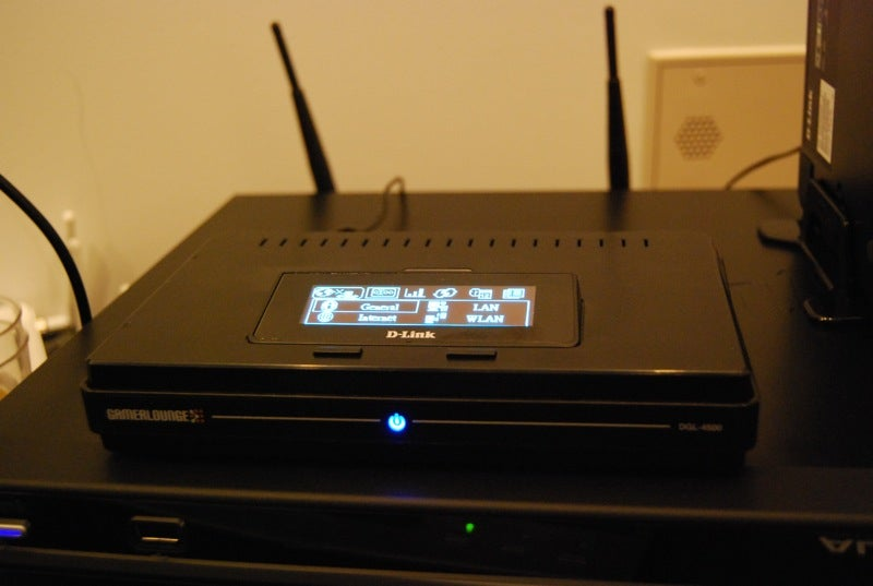 Hands on with D-Link's DGL 4500 OLED Screen Gaming Router