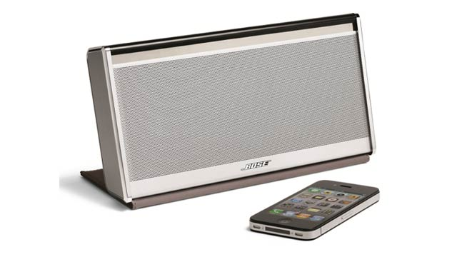 Bose Tells AirPlay to Eat It with Its SoundLink Mobile Bluetooth Speaker