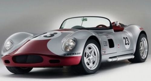 Lucra LC470: A Lister With Snazzy Duds