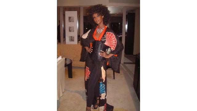 "Iman Makes One Hell of an ""Afro-Geisha"""
