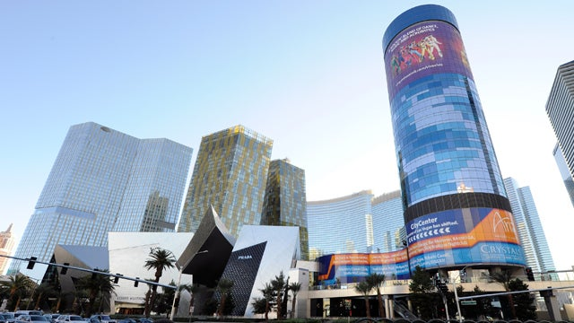 Please Let MGM Implode This Giant Vegas Hotel