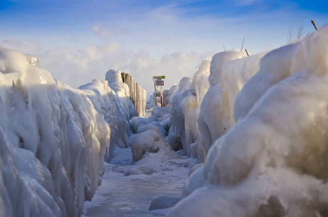 14 Frozen Photos Of The Polar Vortex