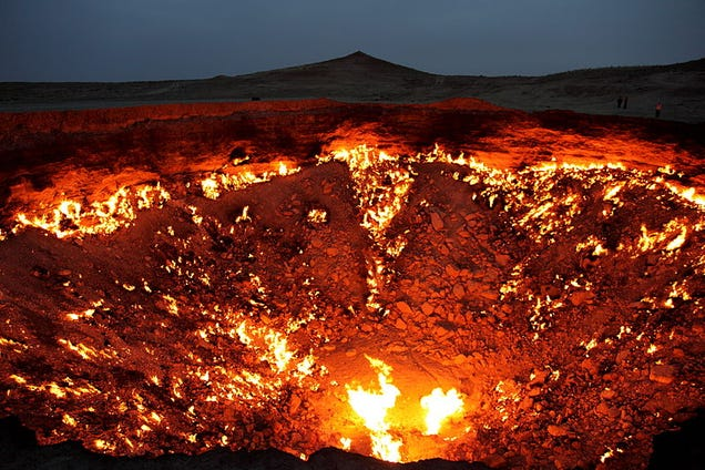 Watch a Researcher Zip Line Over the Door to Hell For Science