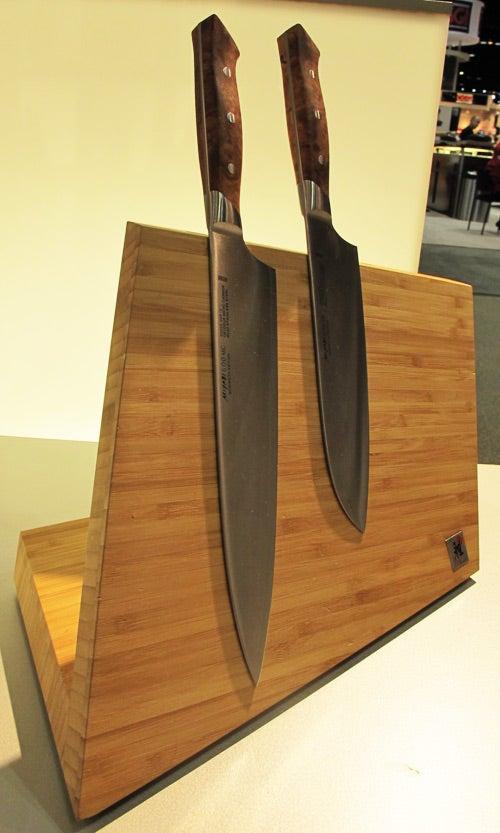 Henckels' Absolutely Striking Magnetic Knife Block