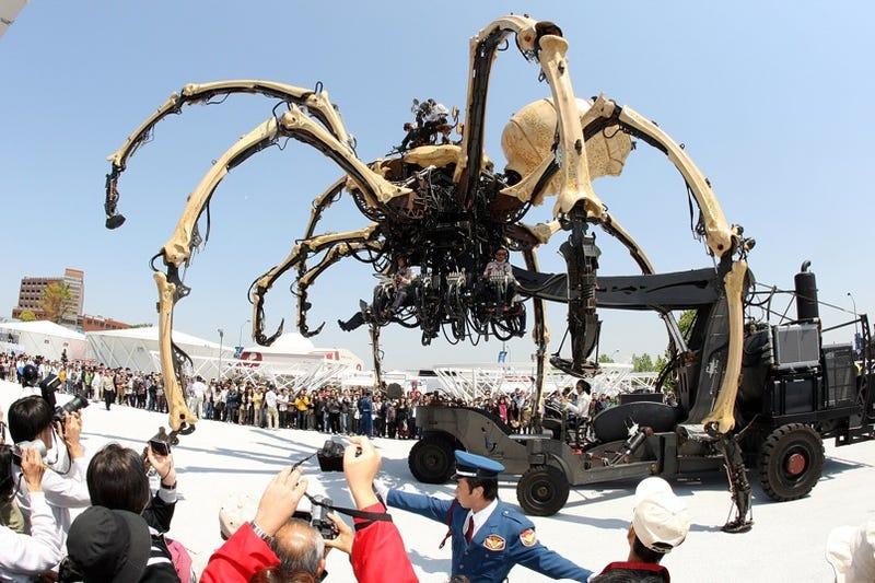 Robot Spider Terrorizes Japan