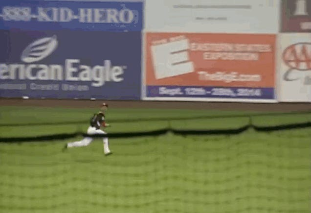 Twins Prospect Byron Buxton Carted Off Field After Outfield Collision
