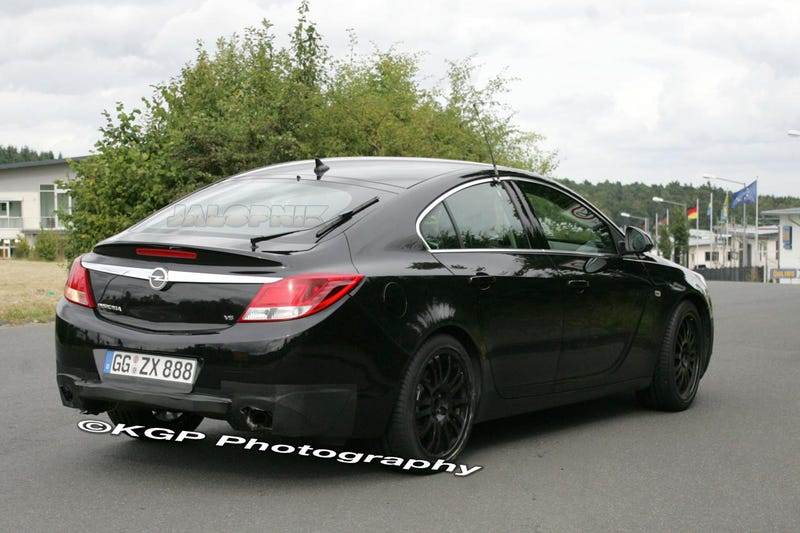 Opel Insignia OPC: Full Frontal Shot Slips Out From EVO Mag