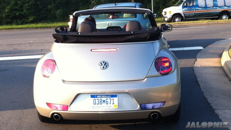 2013 Volkswagen Beetle Convertible: First Live Photo